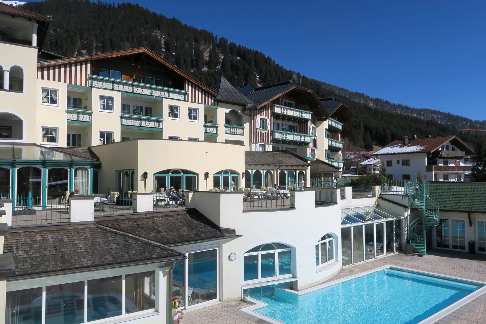 Familienhotel Alpenrose Pool