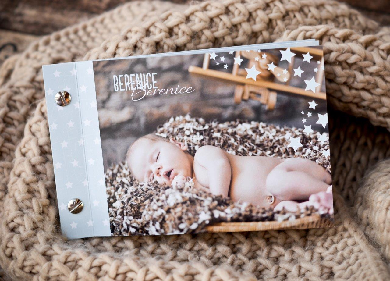 Babykarten und Geburtskarten