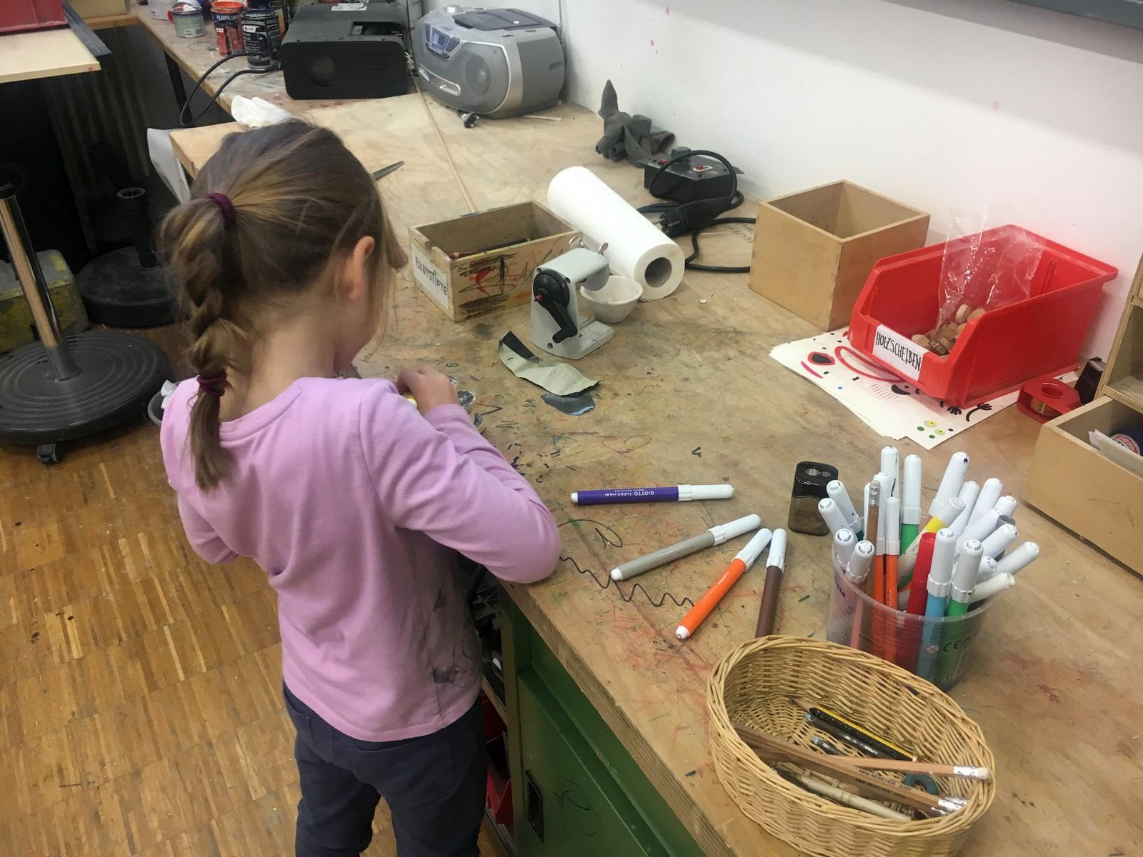 Kinderkurse München mit Holz