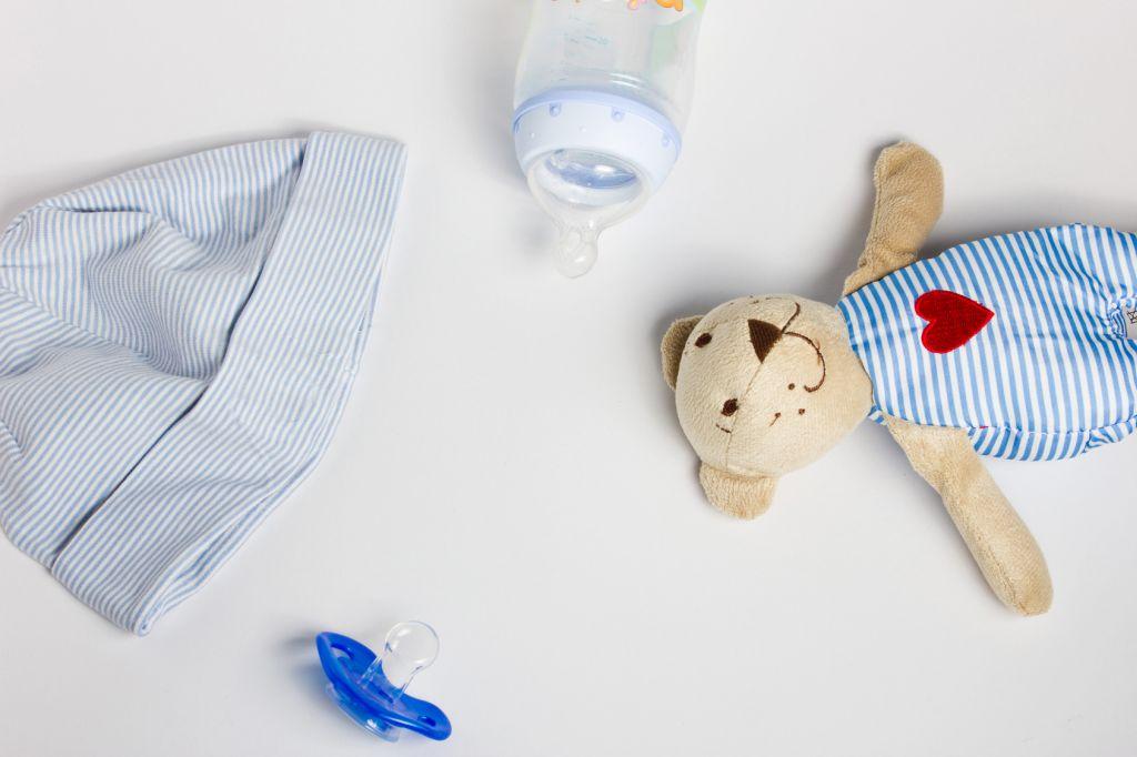 Babymütze, Schnuller &Co